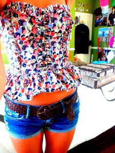 Almost too my perfect flat stomach! This would be so cute!