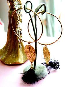 Χειροποίητα Σκουλαρίκια κρίκοι με φύλλα και φούντες.  http://handmadecollectionqueens.com/Χειροποιητα-σκουλαρικα-κρικοι-με-φυλλα  #fashion   #earrings   #women   #handmade   #accessories   #storiesforqueens