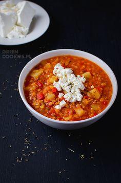 zupa z soczewicą, ziemniakami, serem feta, tymiankiem i pomidorami www.greencookies.pl