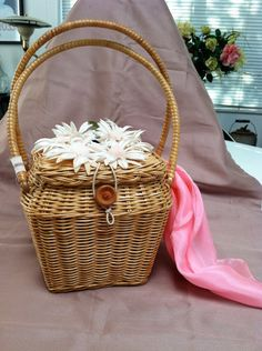 1956 Straw Purse with Daisies and Honeybee  by ScarlettsFancies, $30.00