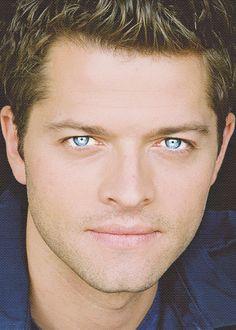 Misha Collins angel eyes.... LOOK AT THOSE EYES!!!!!!!!!!!!!!!!!!!!