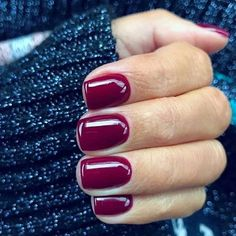 Manicure and nail ideas and inspiration. Nails looks including acrylic, gel, matte, glitter and natural. Nail design and nail art. Summer nails and winter nails. Long and short nails. Nail shapes including almond, tapered, round, stiletto, square, oval and squoval.