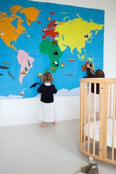 world at your fingertips wall deco