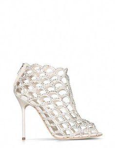 33 Best Fabulous Bridal Shoes images  6a7e305ac3d6