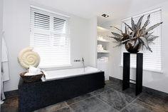 Luxe Badkamers Inspiratie : Wastafel badkamer ideeën design badkamers bathroom decor