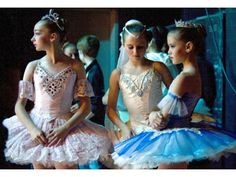 Loved this photo from the OC Register that was taken at the Youth America Grand Prix ballet semi-finals!