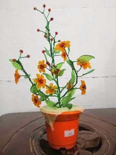 Sang Anggrek Merpati: Waroeng Kreasi (Bunga Hias Akrilik)