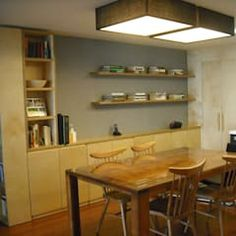 Salle à manger moderne par lee+mir moderne | homify Family House Plans, How To Plan, Table, Furniture, Home Decor, Interiors, Dining Room Modern, Design Ideas, Decoration Home