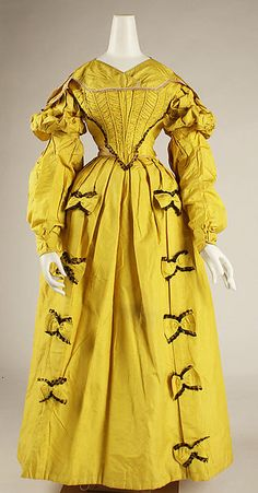 British Silk Dress, circa I would call this shade of yellow a bit garish. British Silk Dress, circa I would call this shade of yellow a bit garish. A women would need just the right complexion to wear the color without looking sickly. 1800s Fashion, 19th Century Fashion, Victorian Fashion, Vintage Fashion, French Fashion, Victorian Era, Antique Clothing, Historical Clothing, Historical Costume