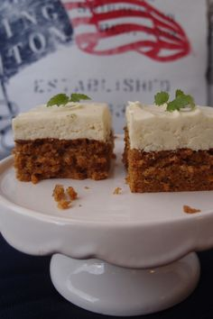 The world& best carrot cake! - a taste- Världens godaste morotskaka! – en smaksak The world& best carrot cake! Raw Food Recipes, Sweet Recipes, Baking Recipes, Cake Recipes, Dessert Recipes, Cookie Cake Pie, Bagan, Best Carrot Cake, Swedish Recipes