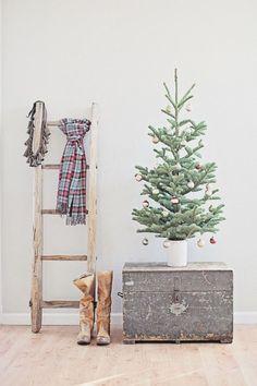 Vintage Christmas: 12 Fabulous + Festive Styling Ideas