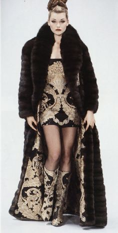 Sable fur coat gone Baroque! In a high quality fake fur of course, no killing of animals.