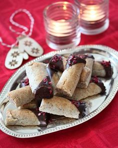 Sarah Bernhardt i langpanne - krem.no Norwegian Christmas, Dere, Dessert, Cheese, Baking, Breakfast, Food, Brioche, Morning Coffee