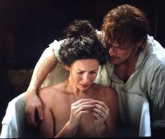 Jamie & Claire ever stronger love and emotion of reunion with friends Outlander 4 Claire Fraser, Jamie Fraser, Jamie And Claire, Sam Heughan Caitriona Balfe, Sam Heughan Outlander, Outlander Casting, Outlander Tv Series, Starz Series, James Fraser Outlander