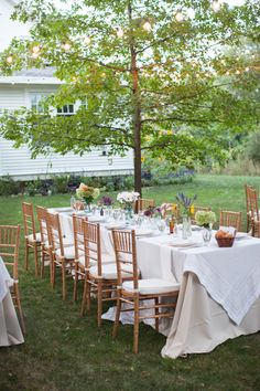 Photography: Heather Cook Elliott Photography - HeatherCookElliott.com Floral Design: Avant Garden - theavantgarden.com Read More on SMP: http://stylemepretty.com/vault/gallery/11004