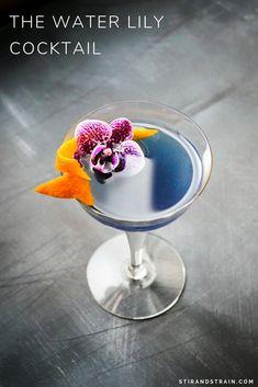 The Water Lily Cocktail gin - crème de violette - orange - lemon - sparkling Gin Fizz, Craft Cocktails, Summer Cocktails, Christmas Cocktails, Pina Colada, Cocktail Gin, Cocktail Glass, Purple Drinks, Watermelon Lemonade