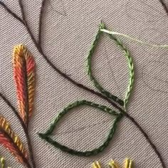embroidery filling leaves - embroidery filling leaves A technique that we use frequently in decorative embroidery works … We worked here as filling in the leaves … # embroidery # handmade # decorative embroidery Hand Embroidery Patterns Flowers, Basic Embroidery Stitches, Hand Embroidery Videos, Embroidery Stitches Tutorial, Embroidery Flowers Pattern, Flower Embroidery Designs, Embroidery Works, Creative Embroidery, Bordado Floral
