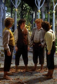 Hobbits: Despite being short and having large hairy feet, they're kind of attractive... :p