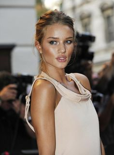 Kyla Gold Wedding Makeup Inspiration | Dewy Make-up