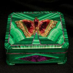 Intarsia Butterfly Box Created by Nikolai Medvedev. Malachite, sugilite, tourmaline, and gold. Teakwood inlay.  10 x 9.2 cm.