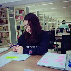 Time for radiology cramming😀😄😬😁 when are my exams gonna end... #haha #hahaha #hahahahah  .  #medstudent #medschool #medschoollife #youtuber #vlogger #koreavlog #koreanvlogger #studentlife #finalseason #finals