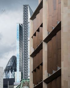 Sir Norman Foster's legendary architecture studio, Foster + Partners, keeps on redefining the London's skyline by completing the new Bloomberg̵ Foster Architecture, British Architecture, Colour Architecture, Architecture Office, Norman Foster, Building Skin, Foster Partners, V & A Museum, London Landmarks