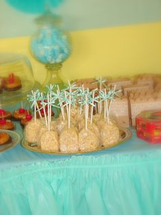 Mesa de postres arroz inflado con malvavisco