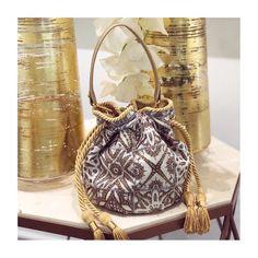 Boucher bag💫 @pompa_rosa • www.pomparosa.com • +(57)3007731495 • . . . . . .  #pomparosa  #fashion #style #cute #photooftheday #beauty… Bucket Bag, Handbags, Paris, Travel, Outfits, Beauty, Instagram, Design, Fashion
