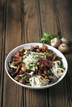 Having guests over for dinner? They won't be able to resist this Creamy Bacon and Mushroom Spaghetti Carbonara and we're certain you won't be able to either. Romantic Meals, Romantic Recipes, Easy Pasta Recipes, Healthy Recipes, South African Recipes, Ethnic Recipes, Tasty Dishes, Soul Food, Bacon Mushroom