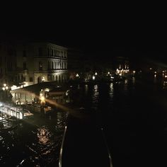 Last nights view from a bridge in Venice  #venice #venezia #italy #italia #historic #travel #europe #beautifuldestinations #canal #nighttime http://tipsrazzi.com/ipost/1523784378772239686/?code=BUlkdGzAjVG