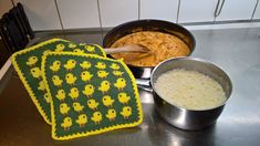 Pot Holders, Diy And Crafts, Crochet Patterns, Knitting, Food, Spas, Barn, Kitchen, Potholders
