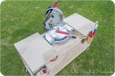 Excellent Table Saws, Miter Saws And Woodworking Jigs Ideas. Alluring Table Saws, Miter Saws And Woodworking Jigs Ideas. Woodworking Saws, Woodworking Workshop, Woodworking Projects, Carpentry, Simple Workbench Plans, Garage Workbench Plans, Miter Saw Bench, Tool Bench, Miter Saw Reviews