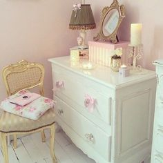 Teen Girl Bedrooms, a charming host of teen girl style for the rad and individual area to declare her self, analyze the concept number 3533220991 Home Office, Grand Dressing, Princess Room, Princess Diana, Kawaii Room, Shabby Chic Bedrooms, Teen Girl Bedrooms, My New Room, Dream Bedroom
