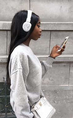 White Regent headphones with white marble caps. SO CUTE! Use code ELLEOFFICIAL for 15% off! @sudiosweden