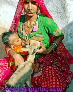 Indian tribeswomen that breastfeed deer alongside children Pretty People, Beautiful People, Indian Culture And Tradition, Cute Girl Image, Mother India, Best Funny Images, African Culture, Baby Kind, People Of The World