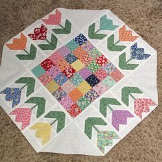 """""""Happy First Day of Spring!!! This is my spin on Lori Holts pattern. #karenrantis #quilts #tablerunners #beeinmybonnet #quilting #loriholt"""""""