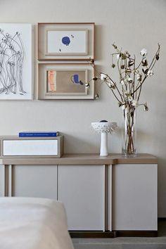 璞辉设计 I 克莱因蓝的诗意栖居地 Floating Nightstand, Diy And Crafts, Projects To Try, Interior Decorating, Gallery Wall, Dining, Living Room, Bedroom, House Styles
