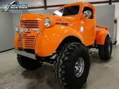 Vintage Trucks 1946 Dodge 881 - too tall Pickup Trucks, Old Dodge Trucks, Jeep Pickup, Lifted Trucks, Lifted Chevy, Dodge Rams, Dodge Power Wagon, Dodge Cummins, Antique Trucks
