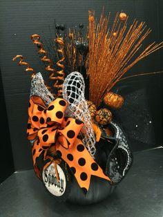 Orange and black pumpkin by Andrea halloween centerpieces Halloween Flower Arrangements, Halloween Centerpieces, Halloween Flowers, Halloween Trees, Halloween Home Decor, Halloween Projects, Halloween House, Holidays Halloween, Halloween Pumpkins