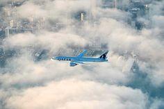 Após mais de 16 horas de viagem e 14.500 km percorridos, Boeing da Qatar Airways aterrissou em Auckland. Avião passou por zonas com dez diferentes fusos horários.