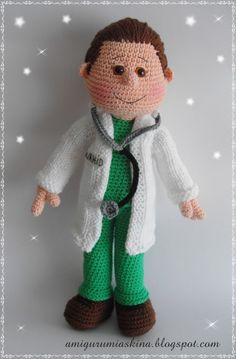 Amigurumi oyuncak doktor bey