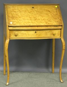 DISCOVERY - SALE 2597M - LOT 844 - EARLY 20TH CENTURY BIRD'S-EYE MAPLE AND MAPLE LADY'S SLANT-LID WRITING DESK. - Skinner Inc  Est $ 150-$ 250