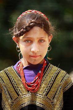 https://flic.kr/p/dMw5uH | Kalash Girl. | Kalash  girl posed for portrait.