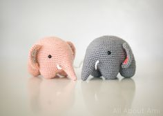 Amigurumi elephants-pattern uses leg chains to crochet the legs on instead of making them separately and attatching them.
