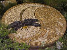 By Sue Rew http://www.suerewmosaics.co.uk. 1,2m diameter. Photo: www.warwickshireopenstudios.org
