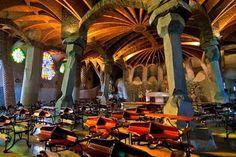 Colonia Guell- de Antonio Gaudi -BARCELONA-SPAIN.                                                                                                                                                      Más