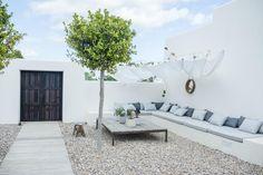 Ibiza, Can Caterina by Urban Village Interior Architecture & Design – casalibrary Back Gardens, Outdoor Gardens, Casa Patio, Built In Seating, Outdoor Living, Outdoor Decor, Terrace Garden, Exterior Design, Interior Architecture