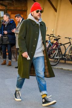 Find Mens Fashion at FashionBeans. The latest information, advice and tips about Mens Fashion in our men's fashion & style guide. Winter Outfits, Casual Outfits, Fashion Outfits, Fashion Trends, Fashion Styles, Men Casual, Mode Masculine, Mode Old School, Mode Man