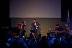 L'edizione 2013 di HIT WEEK, il più importante festival al mondo dedicato alla musica italiana, si è conclusa ieri con un trionfale show case di Marco Mengoni a Los Angeles.