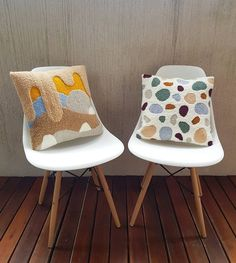 uevos almohadoncitos terminados - Rug Making Needle Cushion, Kids Collection, Punch Needle Patterns, Punch Art, Diy Embroidery, Diy Arts And Crafts, Rug Hooking, Decorative Pillows, Cushions